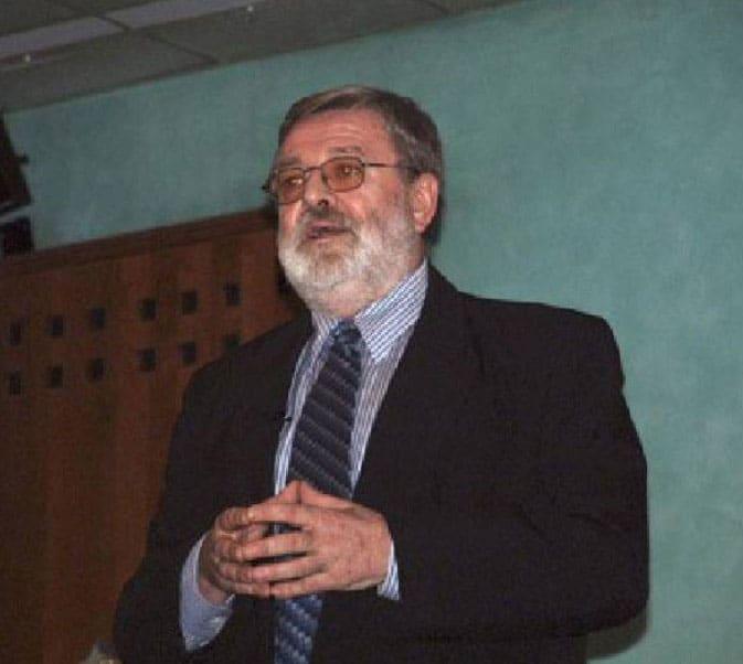 Dr. Kucera